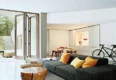 Desain ruang keluarga rumah mewah minimalis lantai dasar