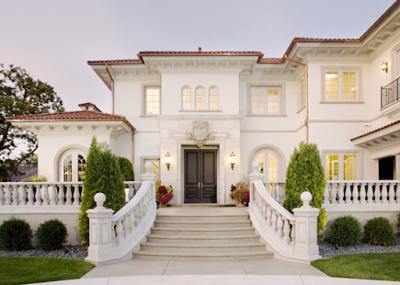 Foto rumah yang mewah warna putih