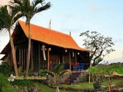 bentuk rumah sederhana tapi elegan di desa bali