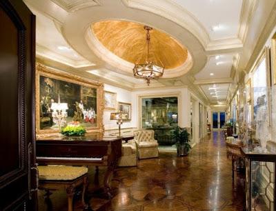 gambar plafon ruang keluarga khas eropa