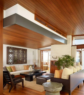 gambar plafon ruang keluarga modern dari kayu