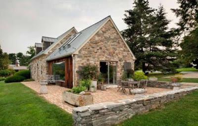 gambar rumah di desa dari batu alam