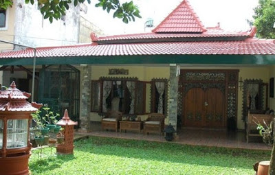 gambar rumah di desa yang luas dan longgar