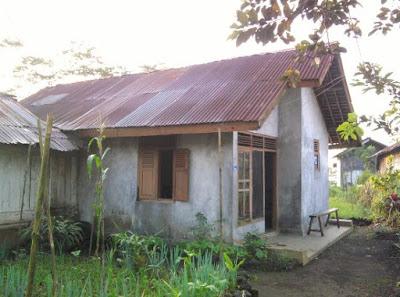 gambar rumah sangat sederhana di desa