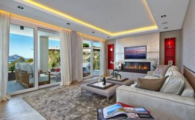 isi ruang tamu rumah mewah minimalis