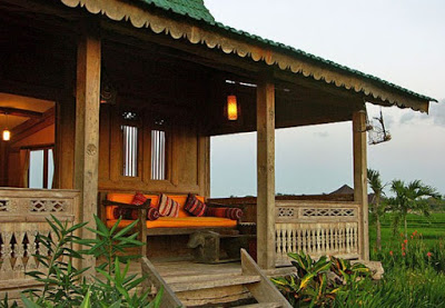 teras rumah minimalis sederhana di desa